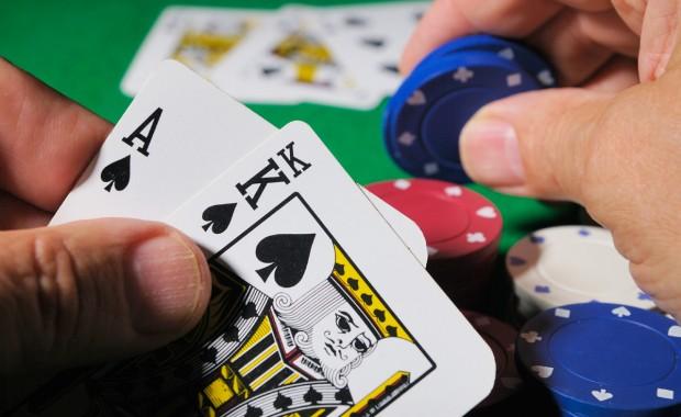 Strip-poker lui coute sa place de maire